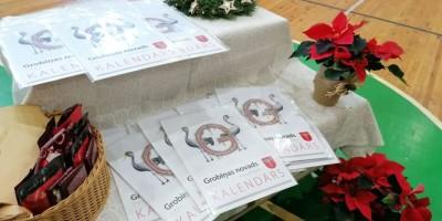 Ir tapis jaunais Grobiņas novada skolēnu radošo darbu kalendārs